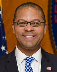 Commissioner Geoffrey Starks: click for press photo